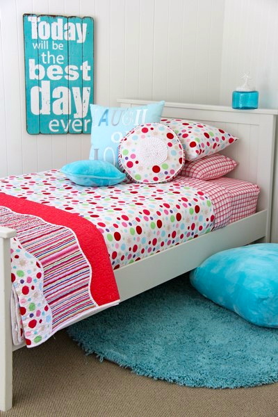 lucy cotton quilt cover with Comforter & aquamarine floor rug