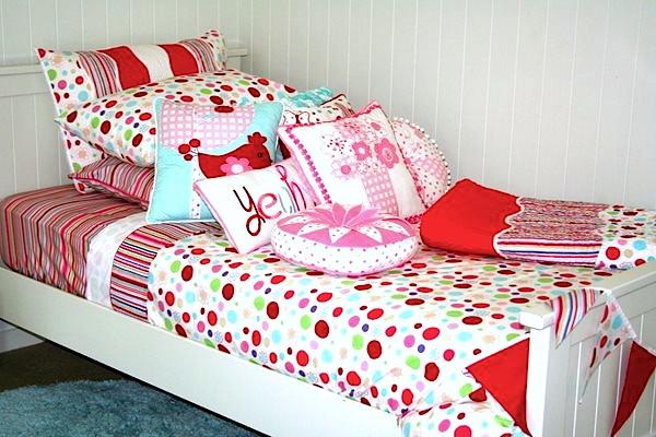 coloured spotty girls quilt cover / duvet