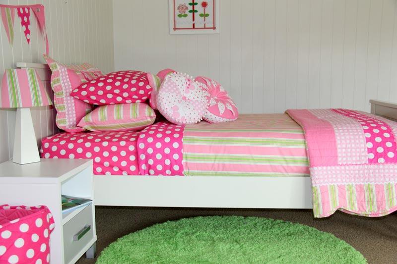 emma quilt cover, comforter, sheeting & green floor rug