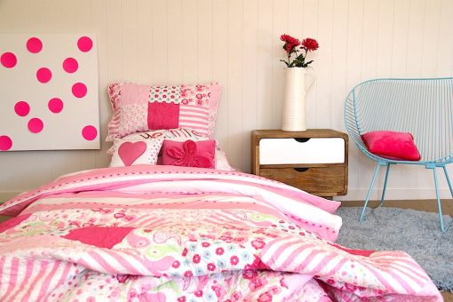 girls pink & white quilt cover & comforter with girls cushions