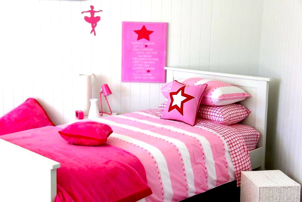 Victoria quilt cover, Zoe sheeting, pink with red throw, Twinkle Star cushion and canvas