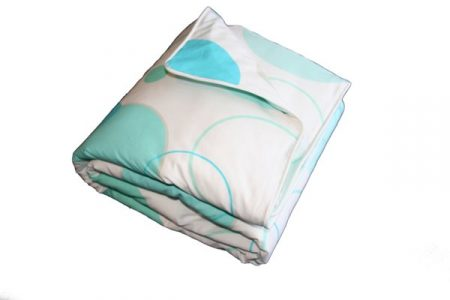 LOL aqua/white quilt cover