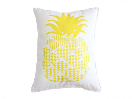 Rectangular cushion with yellow pineapple