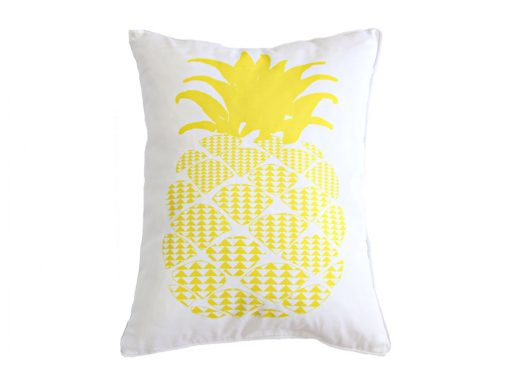 Rectangular cushion with yellow pineapple