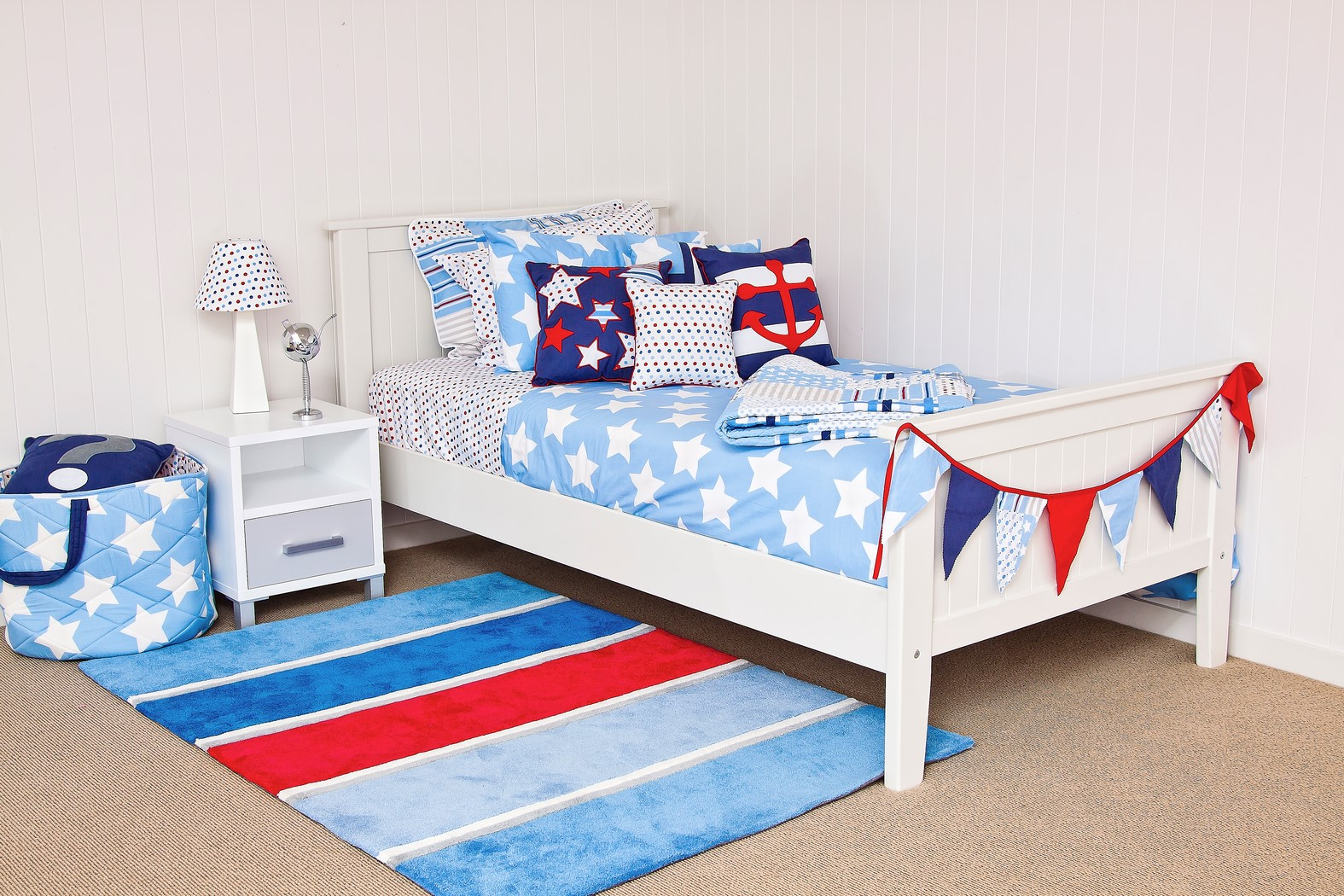 Wills star quilt cover, spot sheeting, Nautical floor rug & cushions