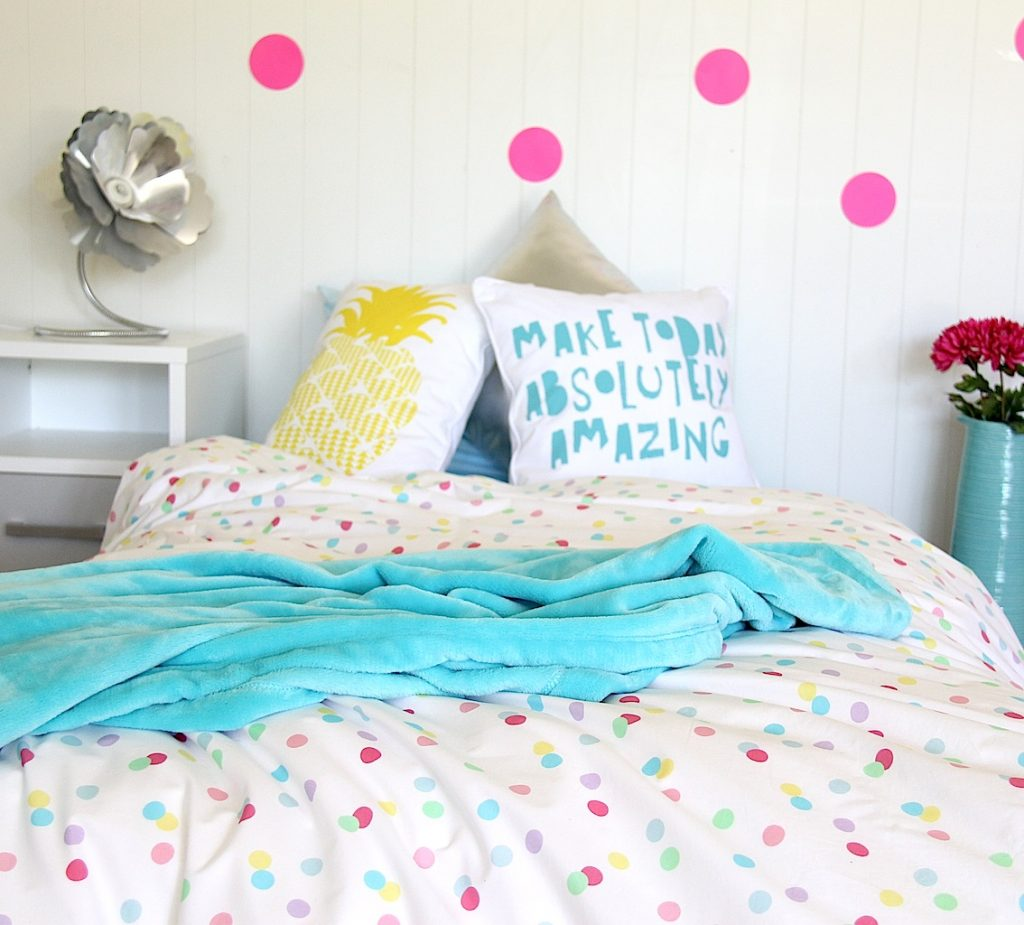 ashley quilt cover / doona with soft pastel spots